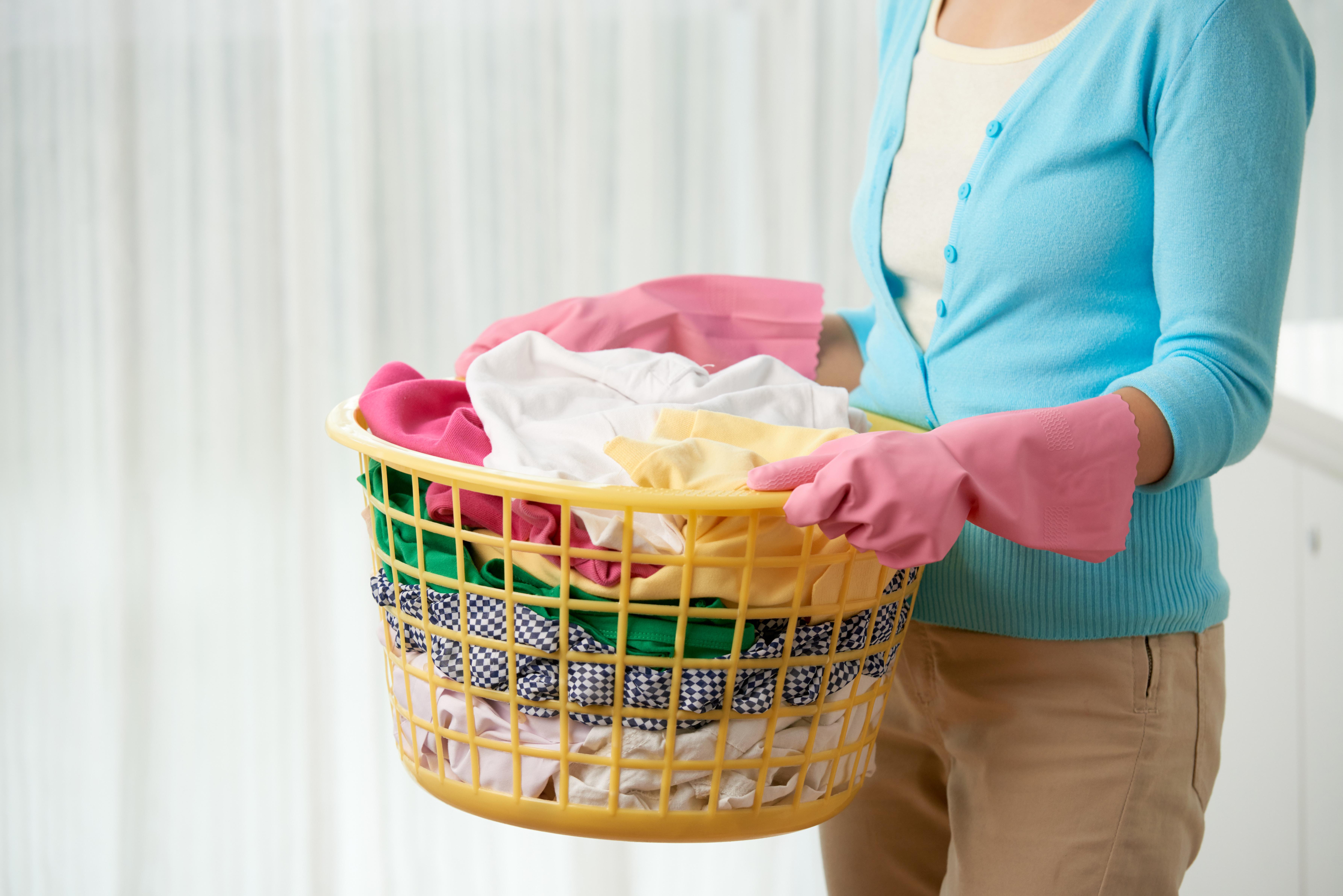 Tudo o que é necessário é uma boa organização quer das rotinas ao cuidar da sua roupa, quer do seu tempo para esta tarefa. A Roupa a Girar hoje apresenta-lhe algumas dicas úteis para tornar a sua lava